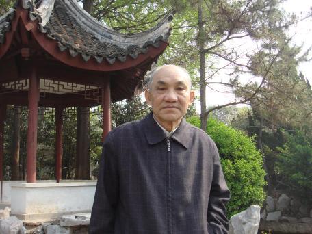 黄炳老先生编著《家庭教育论说》与读者见面